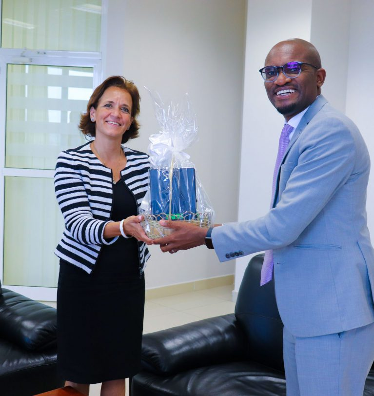 WFP COUNTRY REPRESENTATIVE PAYS COURTESY CALL TO TADB
